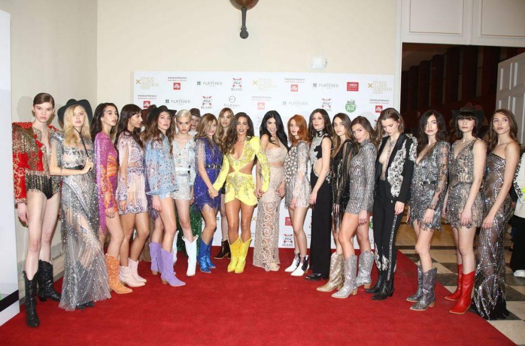 Εντυπωσιασε η Χριστινα Ζαφειριου στην 25η Ελληνικη Εβδομαδα Μοδας!
